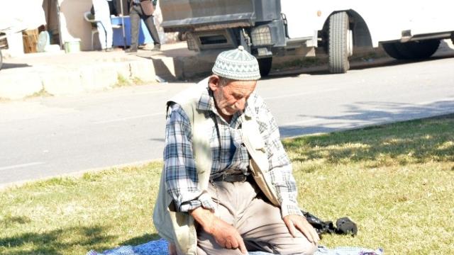 Yaşlı İnsanların Dini Daha Çok Önemsemesi